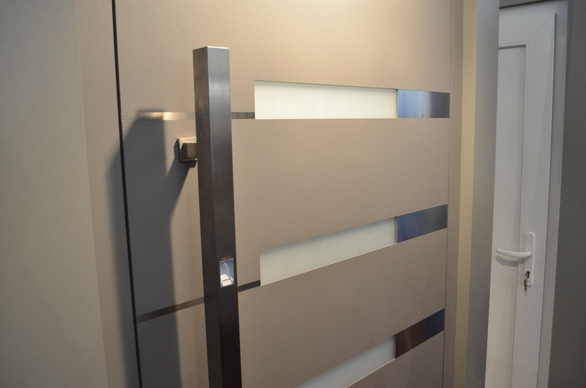 Czytnik linii papilarnych do drzwi idencom biokey for Door to gate kontakt